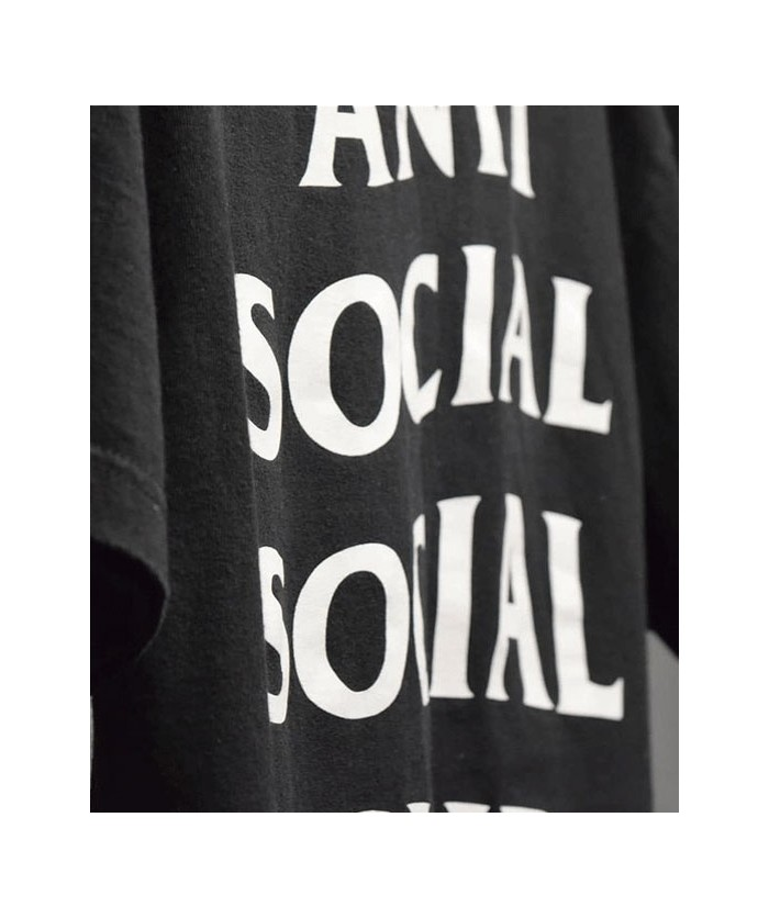 Sweats, T-shirts et Casquettes